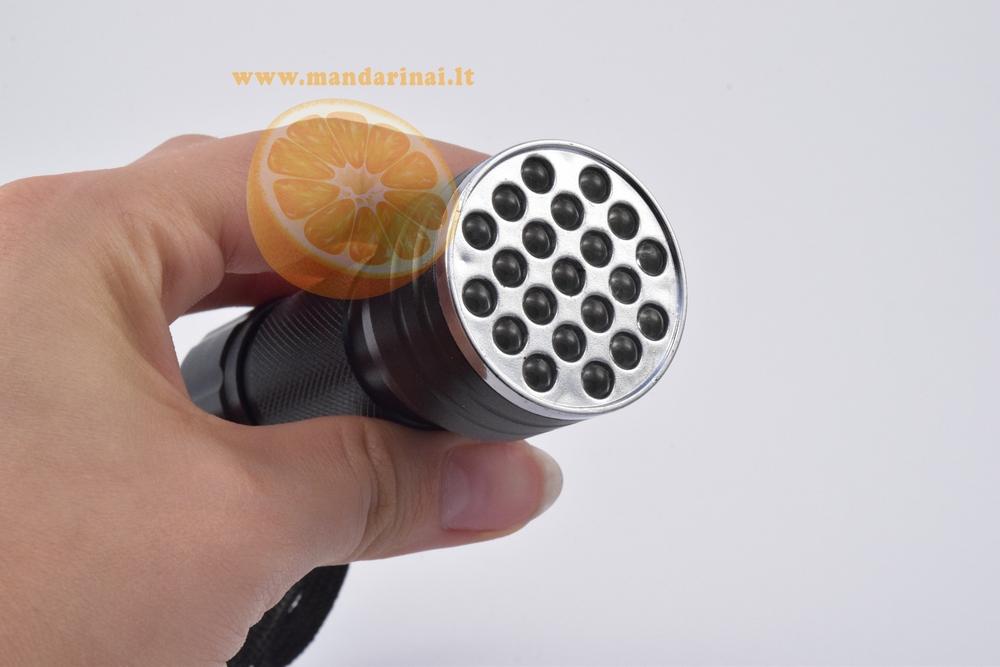 7.99 € 21 šviesos diodų UV spindulių prožektorius